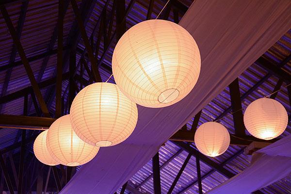 unsere papierlampions sind die perfekte erg nzung f r ihre. Black Bedroom Furniture Sets. Home Design Ideas