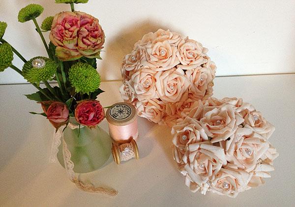 dekokugeln rosenkugeln f r ihre hochzeit weddstyle. Black Bedroom Furniture Sets. Home Design Ideas