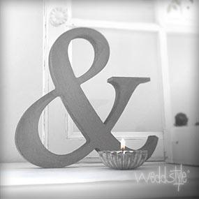 deko buchstaben holz wei eigentum der familie. Black Bedroom Furniture Sets. Home Design Ideas