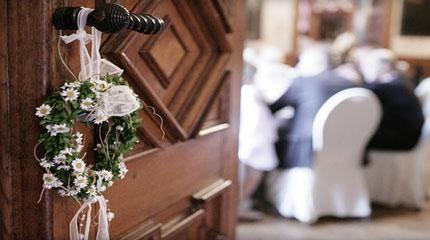 Hochzeitsdeko mieten weddstyle for Raumdekoration hochzeit
